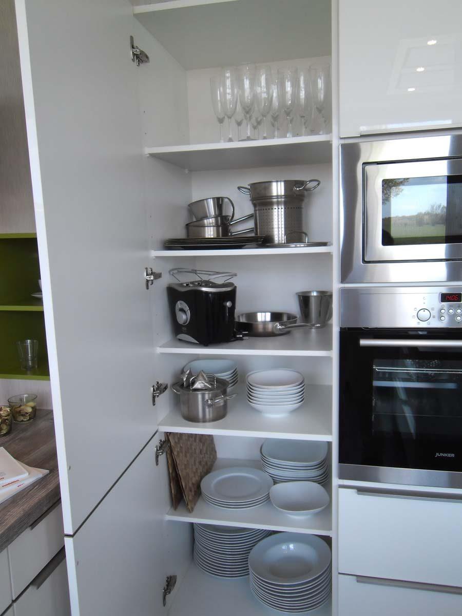 Küche 1 - Geschirr- und Vorratsschrank