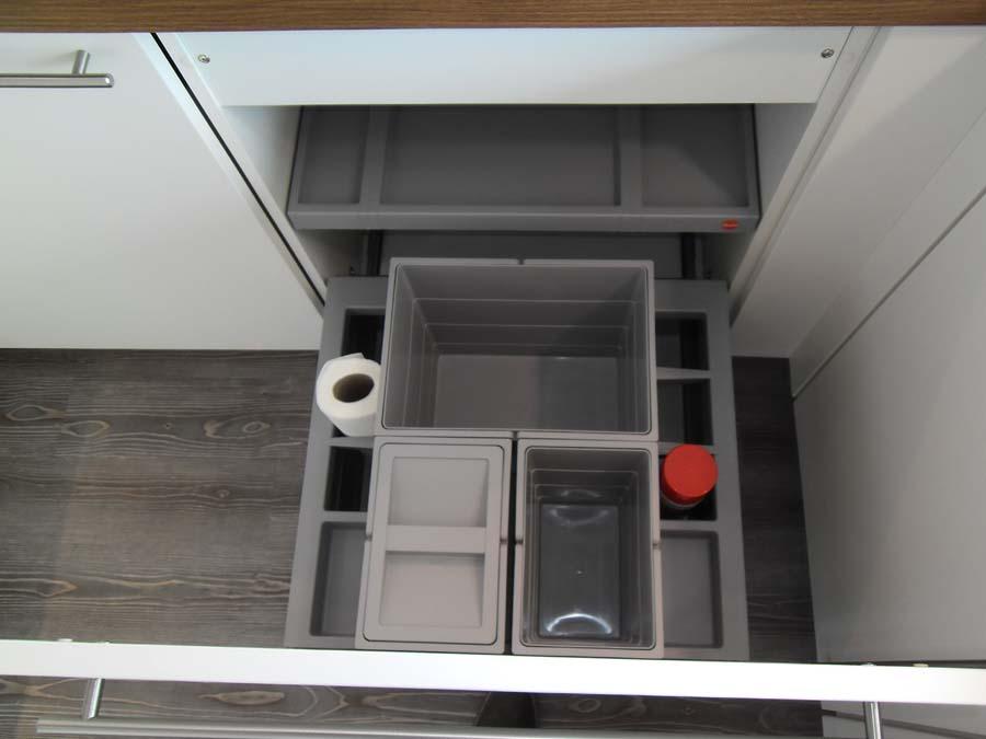 Küche 2 - Mülltrennsystem