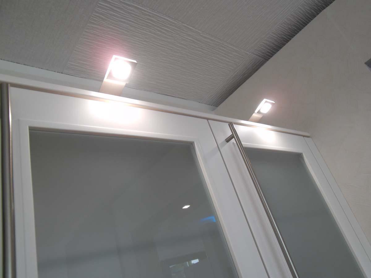 Küche 2 - LED Aufbauleuchten