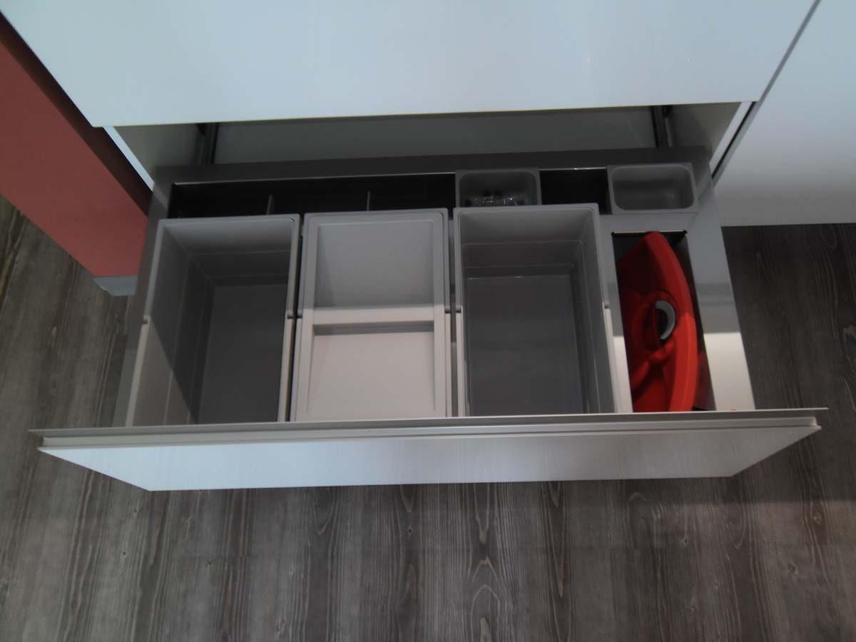Küche 5 - Abfalltrennsystem