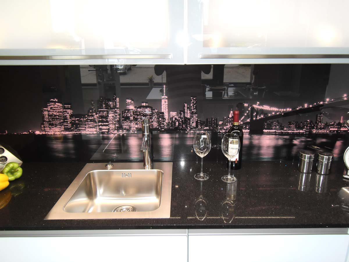 Küche 5 - Glasrückwand mit LED Farbwechsel-Beleuchtung 2/3