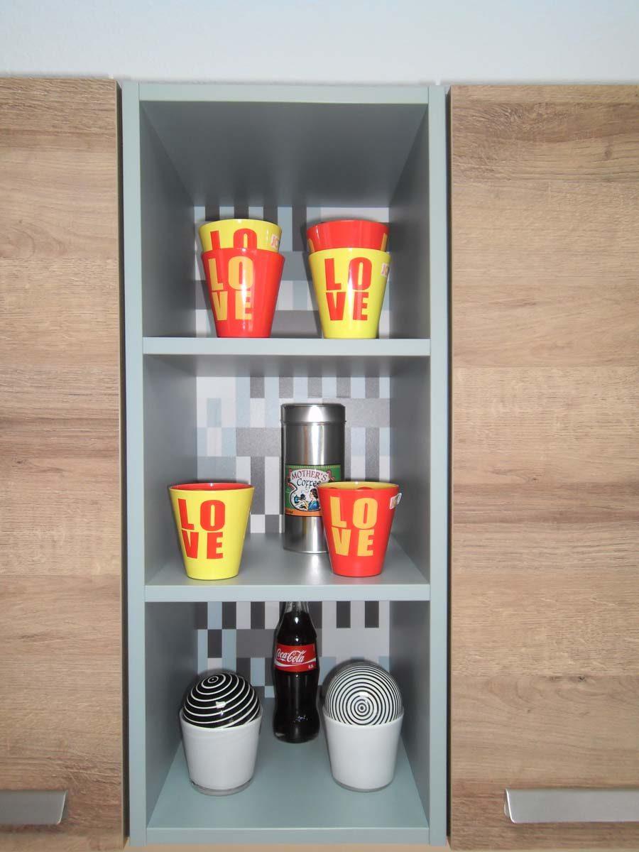 Küche 8 - Regal mit dekorativer Rückwand