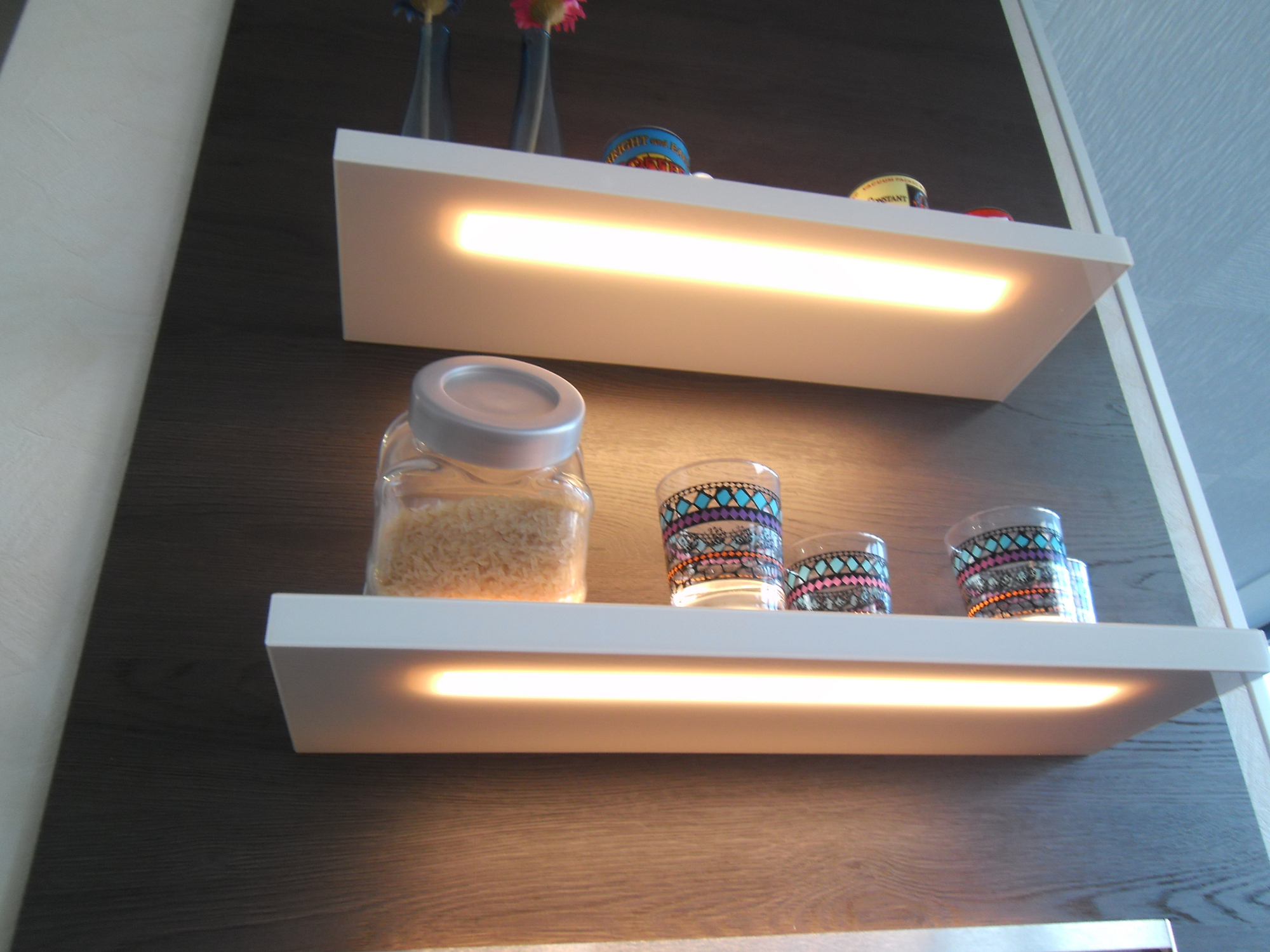 Wandborde mit LED-Beleuchtung