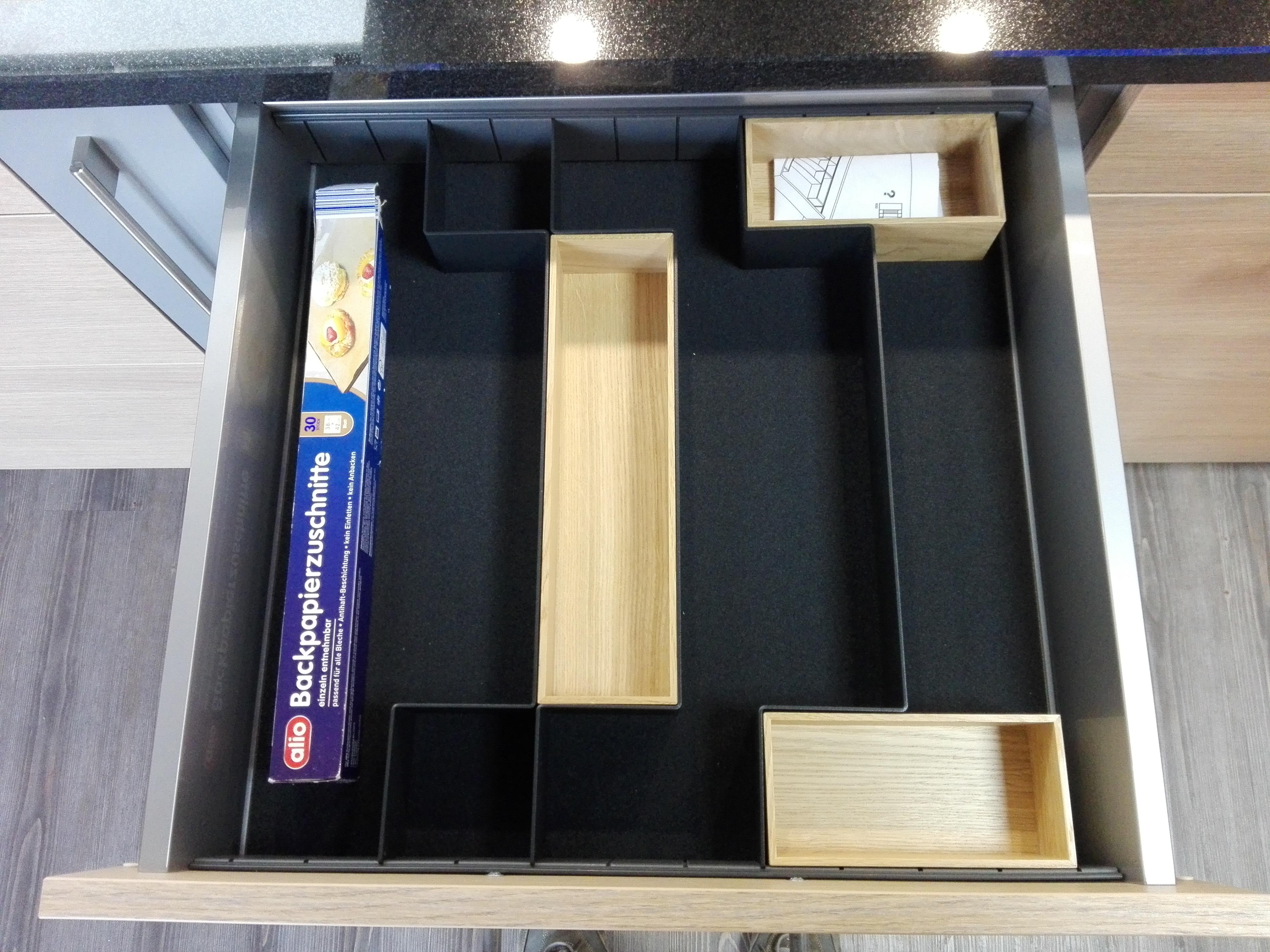 Küche 3 - Organisationselemnt für die Schublade