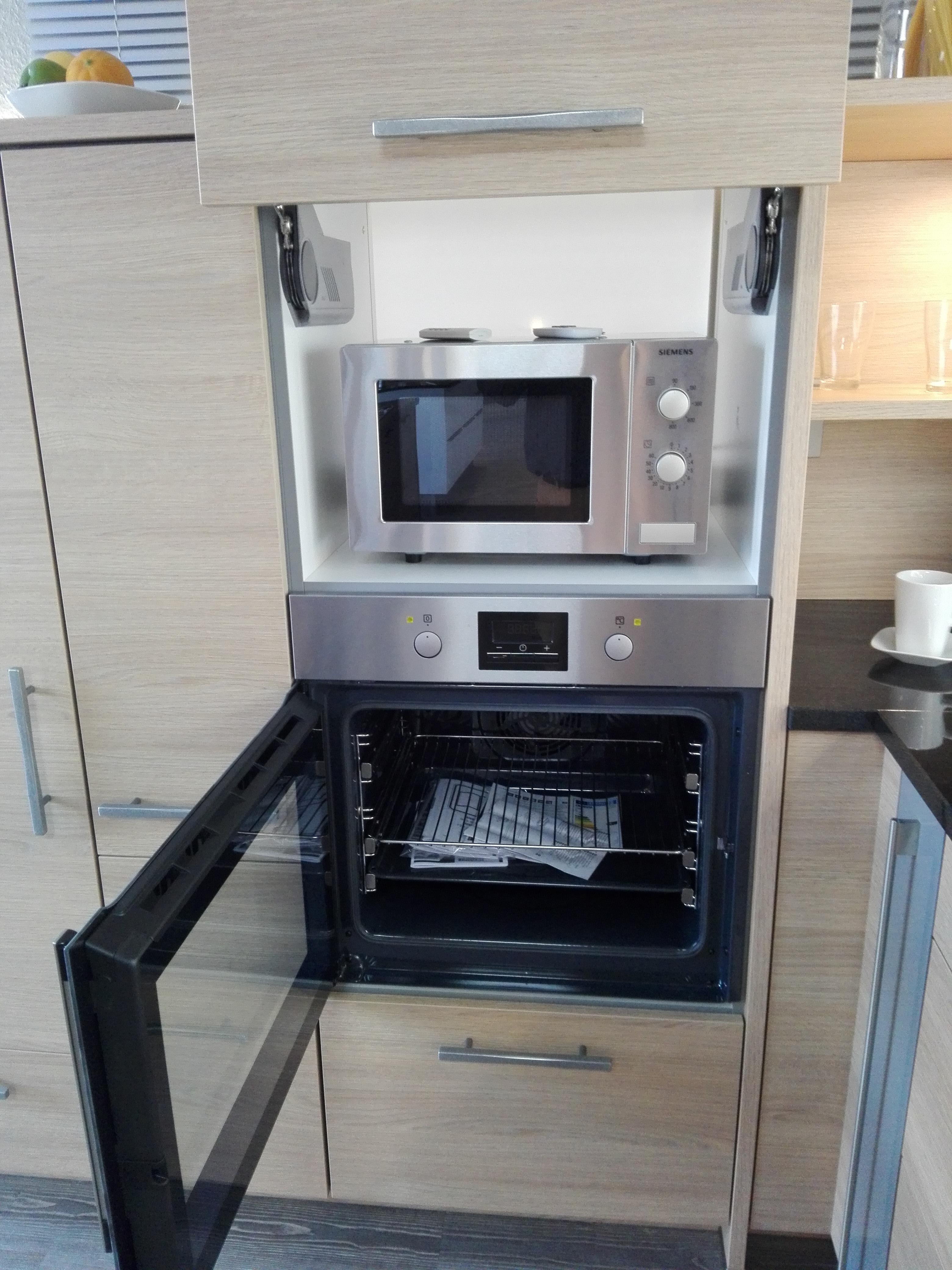"""Küche 3 - Lifttüre zum """"verstecken"""" einer Mikrowelle oder anderen Kleingeräten, Backofen mit seitlich öffnender Türe"""